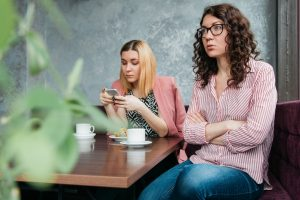 women in disagreement